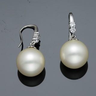 【蕾帝兒珠寶】-情意白色深海貝珠耳環