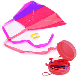 【日本POCKET KITE】輕巧摺疊式口袋風箏(顏色隨機出貨)