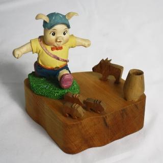【MU LIFE荒木藝品雕刻】皮皮豬memo架、名片架