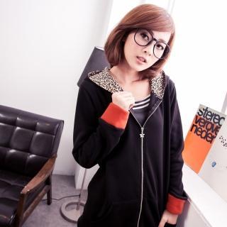 【衣心衣意中大尺碼】保暖懶懶風-豹紋星星項鍊接色刷毛大口袋長版外套(黑-紅棕SO5A5027)