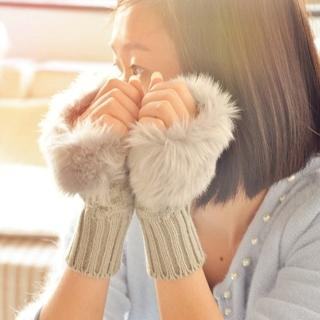 【i 美麗】毛絨絨淺灰短手套(買一送一)
