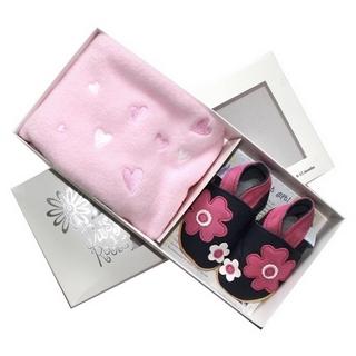 【英國Daisy Roots】英國百年手做全皮革童鞋/彌月禮盒(小花方巾組)