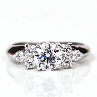 【ILG鑽】頂級八心八箭擬真鑽石戒指-RI018-經典愛情款 主鑽75分生日禮物情人(白K金色)