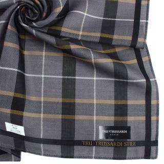 【TRUSSARDI】學院風正格紋純棉帕巾(黑色)