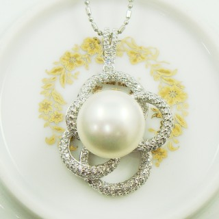 【蕾帝兒珠寶】山茶花戀白色貝珠墜鍊