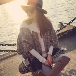 【Verona】個性款夢幻格紋流蘇圍巾斗篷大披肩