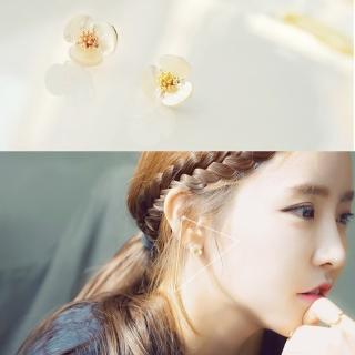 【梨花HaNA】韓國貝殼雕花朵清新自然耳環