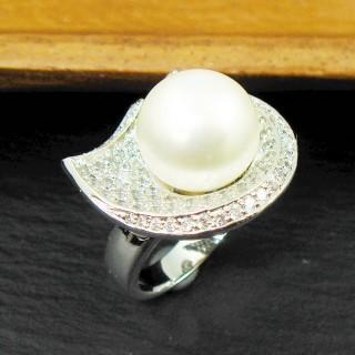 【蕾帝兒珠寶】柔美白色貝珠戒