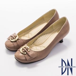 【DN】優雅通勤 柔軟羊皮金屬飾扣低跟鞋(藕)