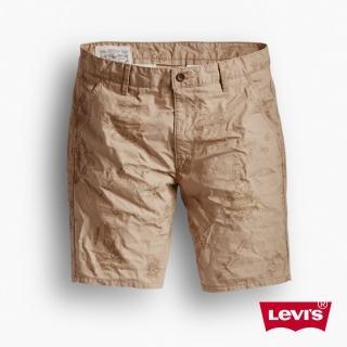 【Levis】淺卡其人像印花休閒短褲