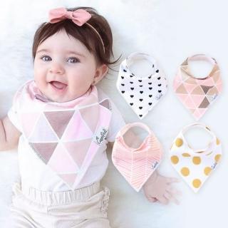 【美國 Copper Pearl】雙面領巾造型圍兜口水巾4件組 - 粉紅圓點三角愛心ZACPX1QHB(快速到貨)