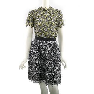 【SELF-PORTRAIT】拚色花蕾絲及膝裙(白/黑)