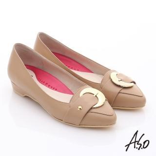 【A.S.O】職場女力 柔軟真皮皮帶飾扣低跟鞋(卡其)