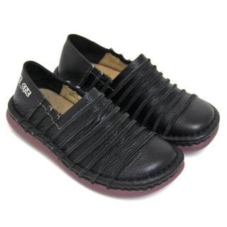 【GREEN PHOENIX 女鞋】線條手縫全真皮平底氣墊休閒鞋(黑色)