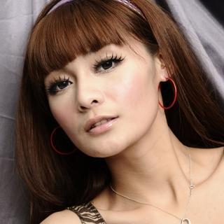 【Lady c.c.】簡潔紅色細版小圈圈耳環