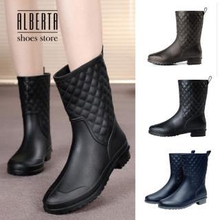 【Alberta】亮面質感菱形格紋造型 中筒低跟粗跟雨靴 下雨天防潑水 氣質淑女必備(黑色)