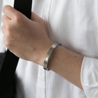 【玖飾時尚】簡約素雅白鋼崁入單鑽手環(手環)  玖飾時尚