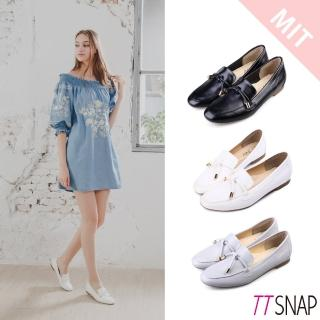 【TTSNAP】樂福鞋-MIT素色平滑光亮漆面休閒鞋(黑/白/灰)  TTSNAP
