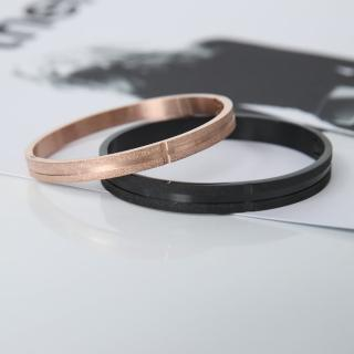 【玖飾時尚】磨砂感線條鋼製手環(手環)  玖飾時尚