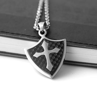 【玖飾時尚】經典格紋盾牌十字架鋼墜項鍊(項鍊)  玖飾時尚