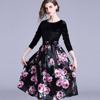 【a la mode 艾拉摩兒】黑絲絨粉紅玫瑰印花A字長袖洋裝(M-2XL)好評推薦  a la mode 艾拉摩兒