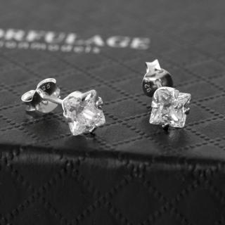 【玖飾時尚】925純銀方形水鑽耳環(925純銀)  玖飾時尚
