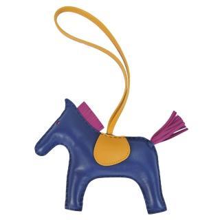 【Hermes 愛馬仕】小羊皮手工馬兒吊飾(大/藍)好評推薦  Hermes 愛馬仕