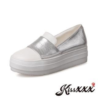 【KissXXX】個性圓頭撞色一字飾帶內增高厚底樂福鞋(銀)  KissXXX