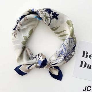【JC Collection】蠶絲柔軟舒適優雅精美花卉印花圖四季百搭高檔小方巾(藍色邊)  JC Collection