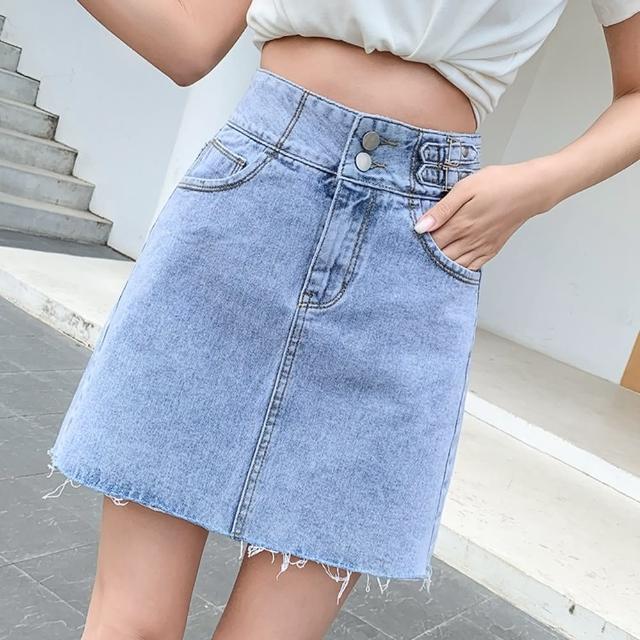 【WHATDAY】雙釦高腰抽鬚毛邊牛仔短裙S-XL