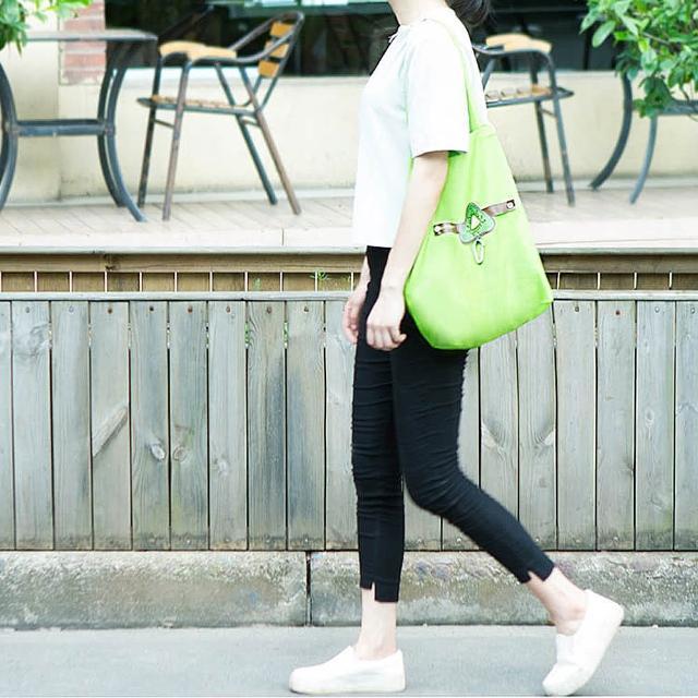 【E.City】買1送1-可折疊圖案帶扣環保購物袋(共2入)
