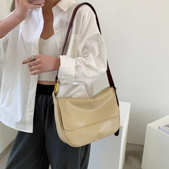 【I FUN】現+預 韓版復古軟皮翻蓋單肩包(大容量/翻蓋包/肩背包)