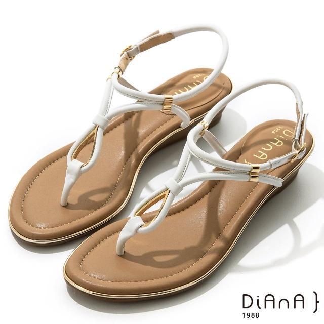 【DIANA】3.5cm羊紋幾何線條水滴金屬綴飾涼鞋-浪漫夏日(白)