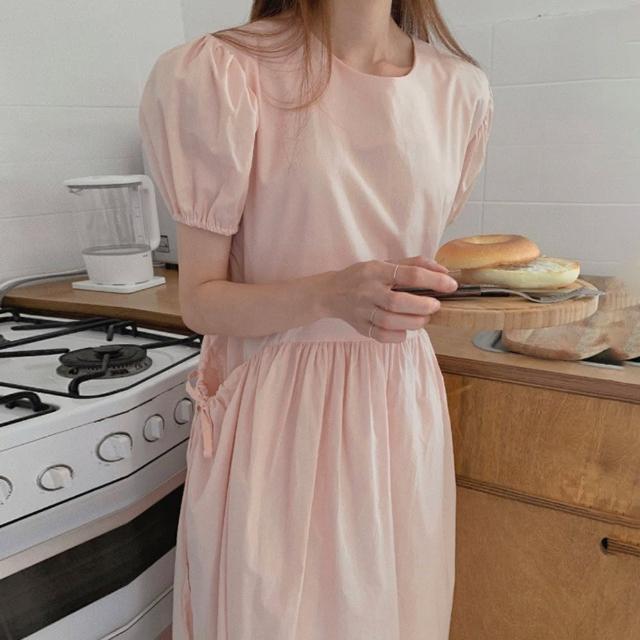 【BBHONEY】圓領抽繩大口袋設計寬鬆中長款泡泡袖連身裙(網美熱搜款)