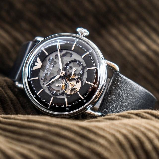 【EMPORIO ARMANI】亞曼尼 公司貨 Aviator 尊爵時尚鏤空皮革機械錶/黑x銀框(AR60026)