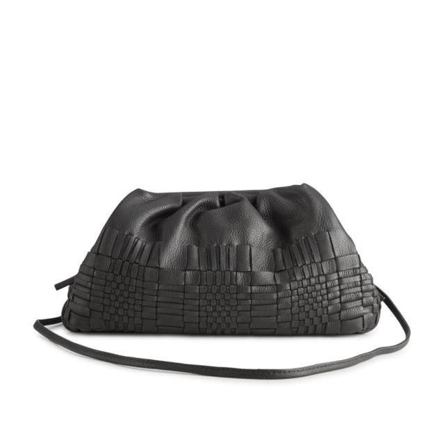 【MARKBERG】Oksana 丹麥手工牛皮編織雲朵斜背包 肩揹包 手拿包 水餃包(編織簡約黑)