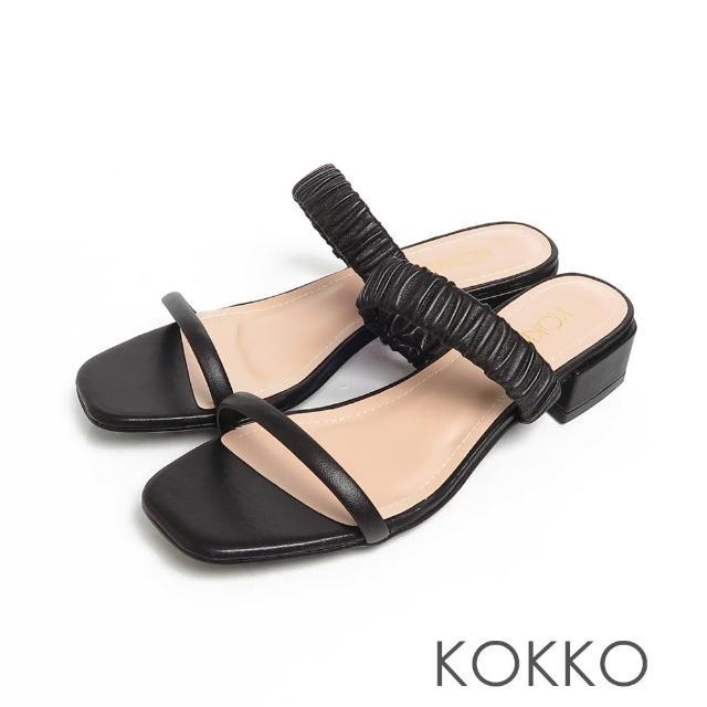 【KOKKO 集團】方頭綿羊皮雲朵皺褶一字帶粗跟涼拖鞋(黑色)