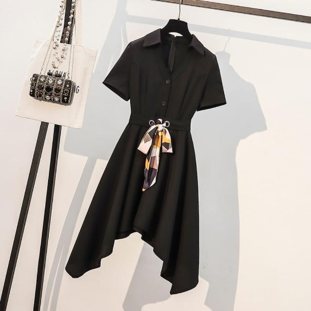 【KVOLL】時尚翻領腰綁帶顯瘦黑洋裝L-4XL