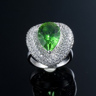 【蕾帝兒珠寶】-情意千禧綠曜戒指