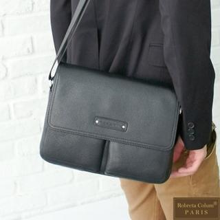 【Roberta Colum】時尚鉚釘軟牛皮多口袋功能側肩背包(小-兩色)