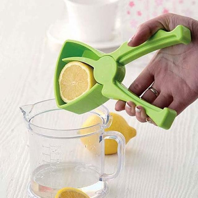 【PS Mall】環保又健康DIY動手 榨果汁簡易擠壓手動漏滴式榨汁器(J246)
