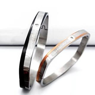 【微笑安安】雙色斜線刻字316L西德鋼壓扣式手環(共2款)