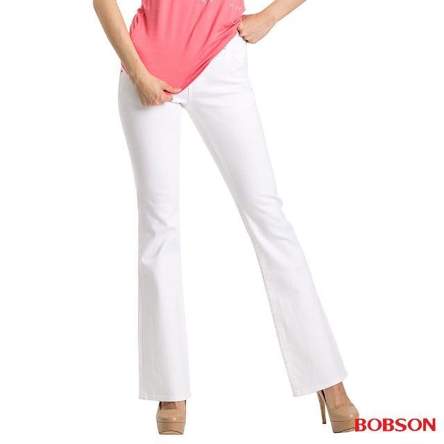 【BOBSON】女款磨破貼口袋伸縮喇叭褲(白9014-80)