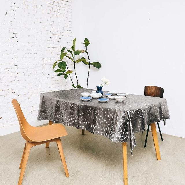 【Homemaker】小方格金屬壓紋桌巾-長180cmX寬137cm(RN-PW151-48-C5)
