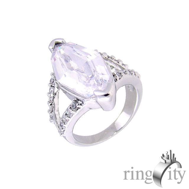 【RingCity】菱形鏤空造型戒(白鑽色系列)