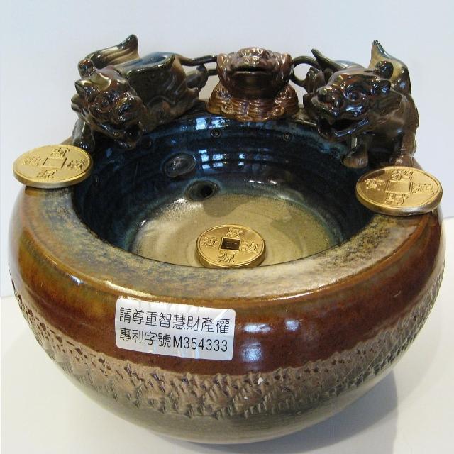 【開運陶源】雙貔貅招財蟾蜍 風水輪 時來運轉聚寶流水盆(漩渦流水盆/小)