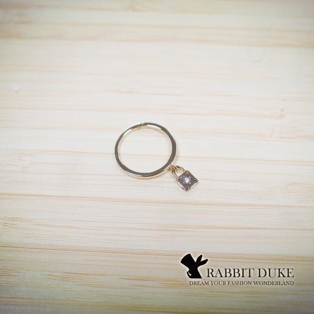 【RD 兔子公爵】現貨 經典歐美風格 個性簡單設計鎖頭墬飾戒指(單色)