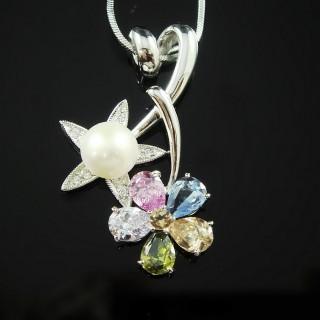 【蕾帝兒珠寶】-花的旋律白色貝珠墜鍊