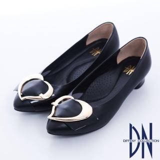 【DN】巴黎時尚 全真皮尖頭拼接金屬飾扣跟鞋(黑)