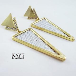 【Kaye歐美流行飾品】幾何大三角閃亮耳飾